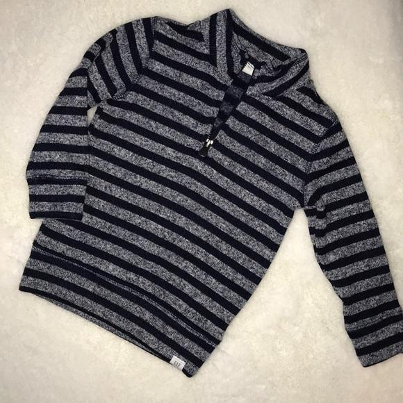 Gap striped sweatshirt size 2T
